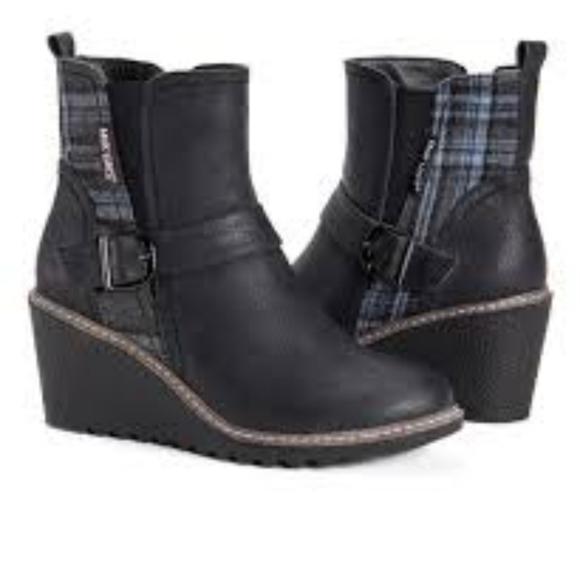 Muk Luk Boots Black Hattie Blue Plaid